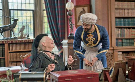 Queen Victoria, Empress of India, (Judi Dench) and her humble subject Abdul Karim (Ali Fazal).