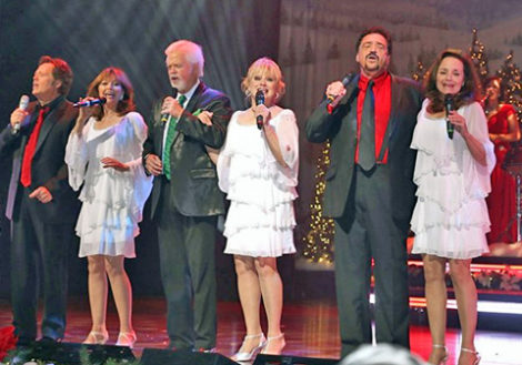 ANDY WILLIAMS CHRISTMAS EXTRAVAGANZA includes host Jimmy Osmond, the Fifth Dimension, The Lennons Sisters and Rich Thomas Illusionist, and the Moon River Band, plus many singers and dancers.